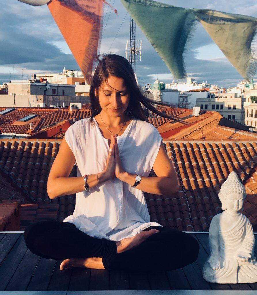 Mindfulness Madrid hostel dormir meditación